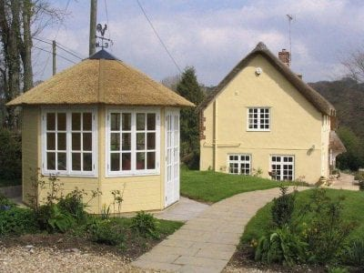 Make An Extra Garden Room At Any Time Of Year