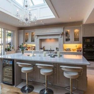 Making The Kitchen The Hub of Your Home : Using Your Space