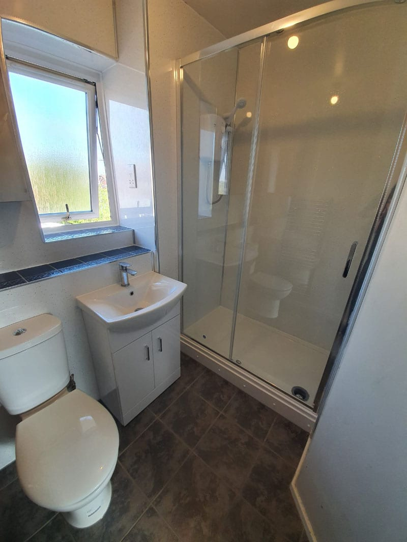 Mr and Mrs Merkelts Ensuite Bathroom, Alvaston