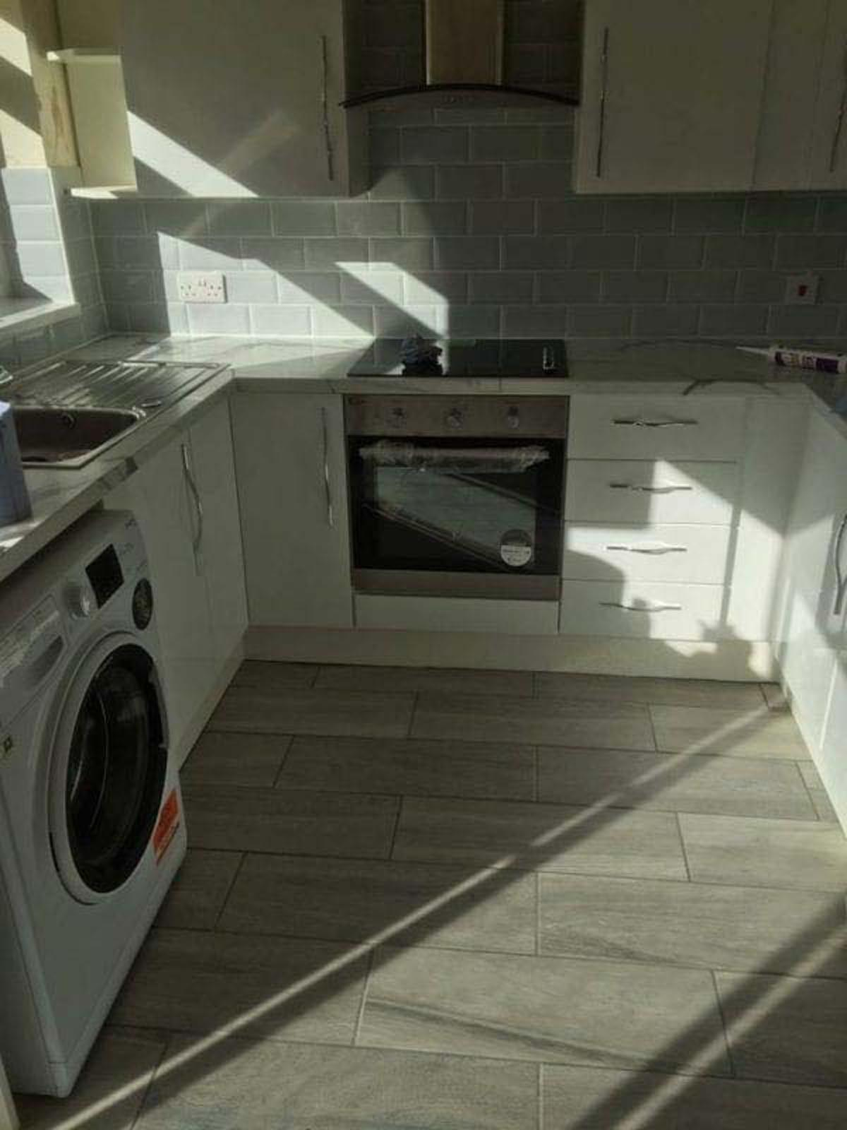 Mr and Mrs O'Tools Fitted Kitchen Arnold