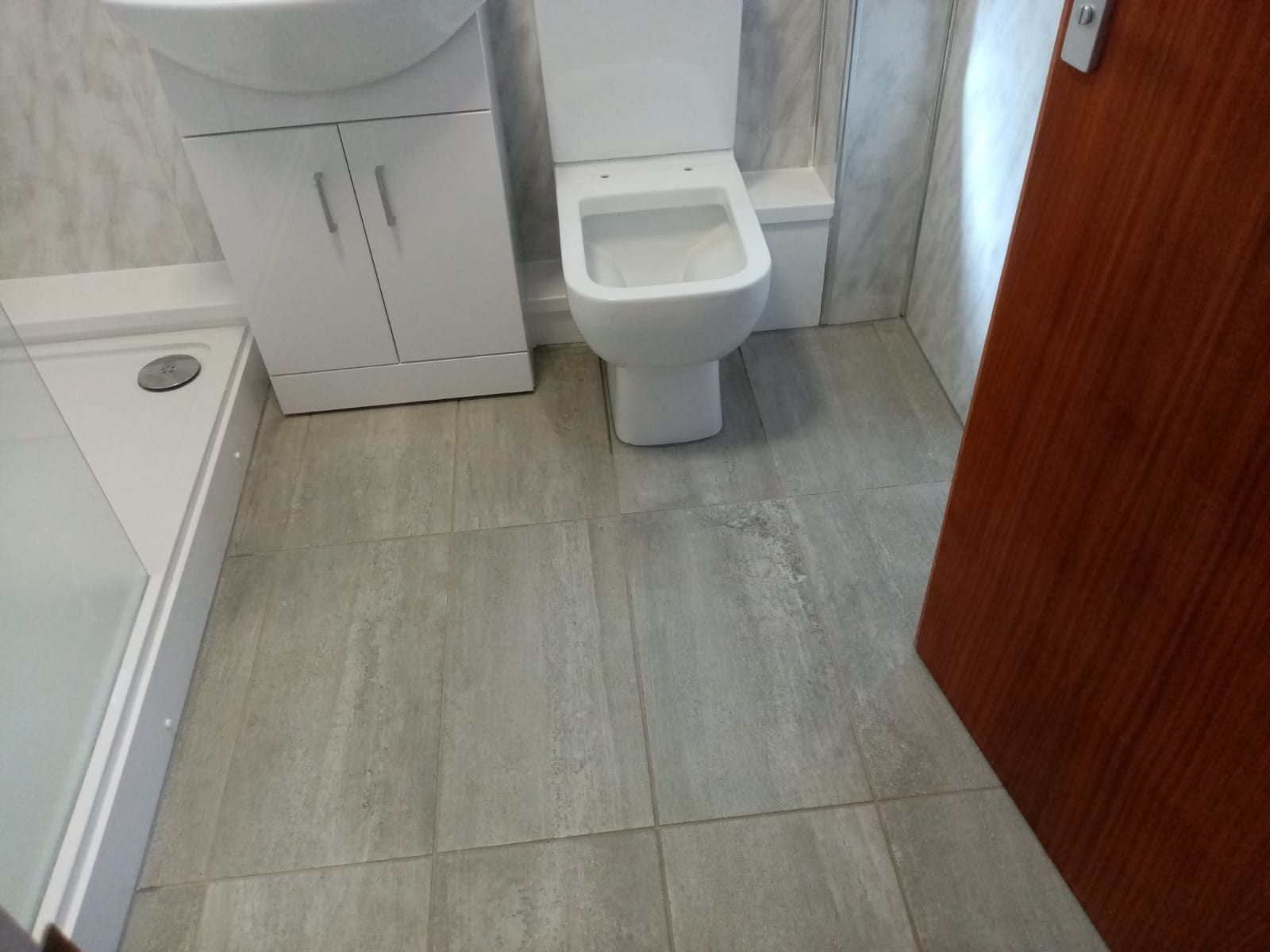 Mr and Mrs Rothwell's Bathroom installation, Hucknall