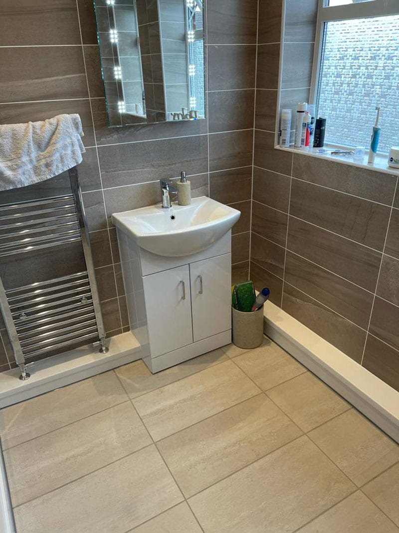 Mr and Mrs Simpsons Bathroom, Chilwell